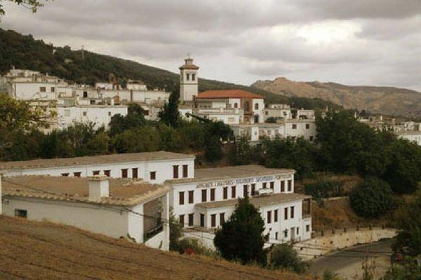 Portugos, Pueblo en Granada.